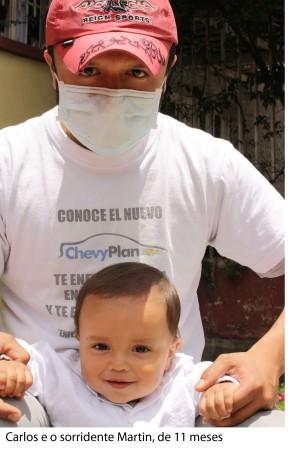 foto principal - Carlos e seu sorridente filho copy